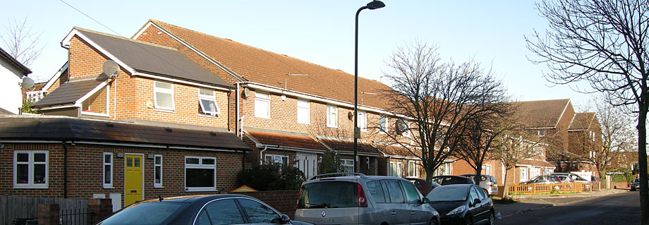 Housing estate built on Almond Avenue site of demolished Ealing Mead County School - photo Keith Littlejohns